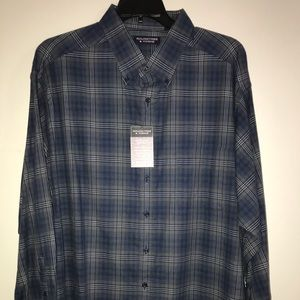 Roundtree & Yorke Casual Button-Down Collar Shirt